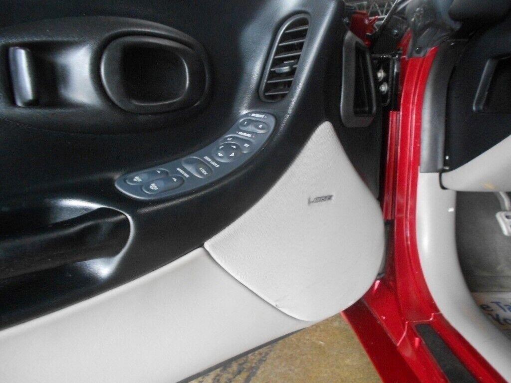 2000 Red Chevrolet Corvette Coupe    C5 Corvette Photo 10