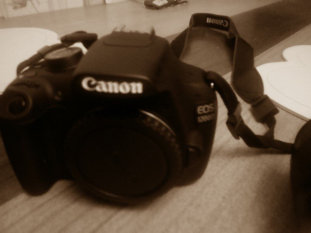 canon 1200d or swop for canon 7d mk 1 or nikon 300d with lens charger