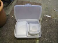 Set of 4 tupperware containers...
