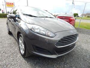 2015 Ford Fiesta SE - Tout équipé - Bluetooth - Bas Km