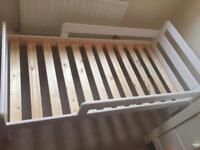 Toddler bed - white