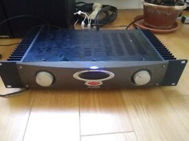 Alesis RA300 Amplifier + Roger LS 4a/s speakers with wall mount