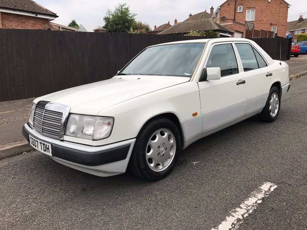 mercedes 230e auto classic car in leicester. Black Bedroom Furniture Sets. Home Design Ideas