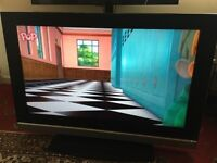 "(Excellent condition) BUSH 40""inches LCD TV FULL HD with free view inbuilt. For quick sale"