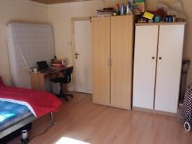Double room near Heathrow & Stockley Park
