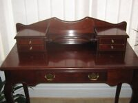 Vintage Mahogany Dressing Table/Desk Elegant French Provincial Style in Lovely Condition