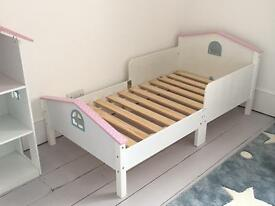 GLTC Dotty Doll's House Bed & Bookcase