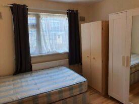 2/3 rooms flat.10 min Stratford:Close Liverpool Street stn,Bethnal Green stn,Old Street