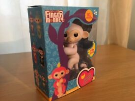 UK NEW FINGER MONKEY INTERACTIVE ELECTRONIC SMART KIDS TOY PET Gift Fingerlings Style Finger Monkey