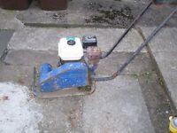 Petrol 6.5hp wacker / vibrating comapctor plate