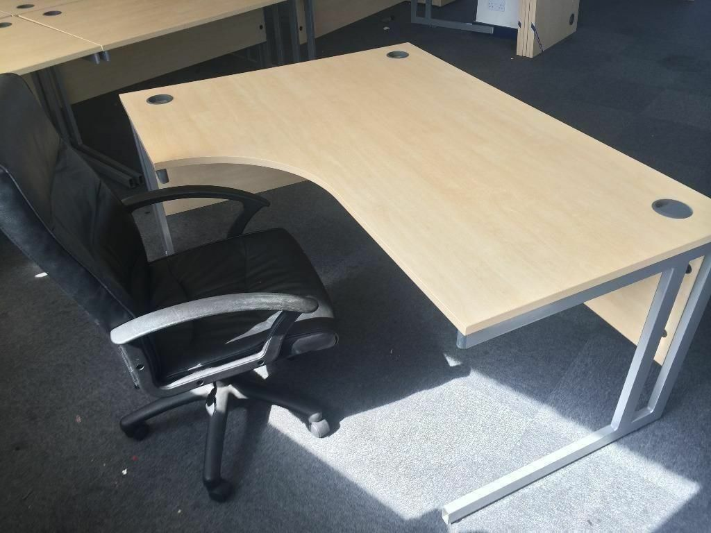 Office desks and furniture job lot in Sheffield South  : 86 from www.gumtree.com size 1024 x 768 jpeg 88kB