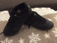 Football adidas black out kids boots size 1