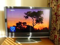 Sony Bravia KDL 40S2000 HD TV, Perfect working condition, no marks or scratches