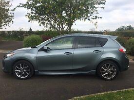 Mazda 3 Venture Edition 2013 1.6 Diesel 6 Speed Manual - Sport look hatchback