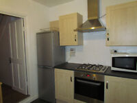 Extra Extra Large DOUBLE rooms LESS deposit - EastHam -post cod E6 1NZ