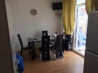 Double Room with Own toilet (ENSUITE) available now in WIllesden area, couples ok at 170