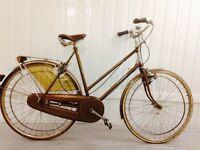 Raleigh Classic Dutch Bike Hub Gears, Brooks Saddle, Hand operated Breaks