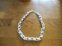 Ladies Chunky Silver Costume Jewellery Choker Necklace-Measures apx 16.5 inches