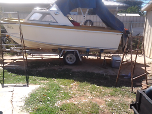 Half cabin fishing boat Clovelly Park Marion Area Preview