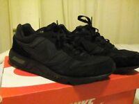 Nike Black 9