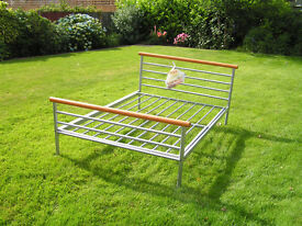 Metal frame double bed base