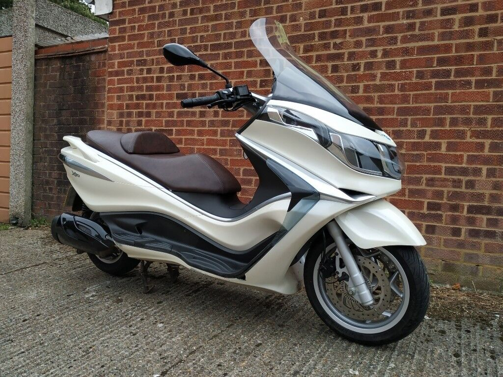 Piaggio X10 350 330cc ABS ASR 2013 Excellent condition Maxi scooter much  better than x7 x8 x9 | in Belvedere, London | Gumtree