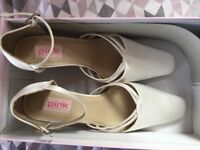 Unworn ivory satin shoes, size 38.5