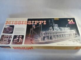 Brand New Artesania Latina King Of The Mississipi Paddle Steamer / Boat / Ship Wooded Kit 1/80