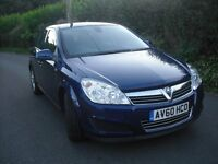 Vauxhall Astra 1.4 only 25000 miles, 1 owner,5 doors, one year warranty including 3 months AA cover