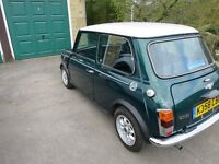 Classic Mini Cooper 1.3i British Racing Green