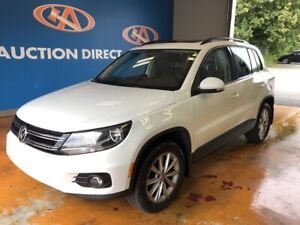 2015 Volkswagen Tiguan Comfortline 4MOTION/ PANO ROOF/ HEATED...