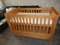Solid Oak 2 Piece Nursery Set (Mamas & Papas VIB Moderno Natural Oak) £120 Was £1000
