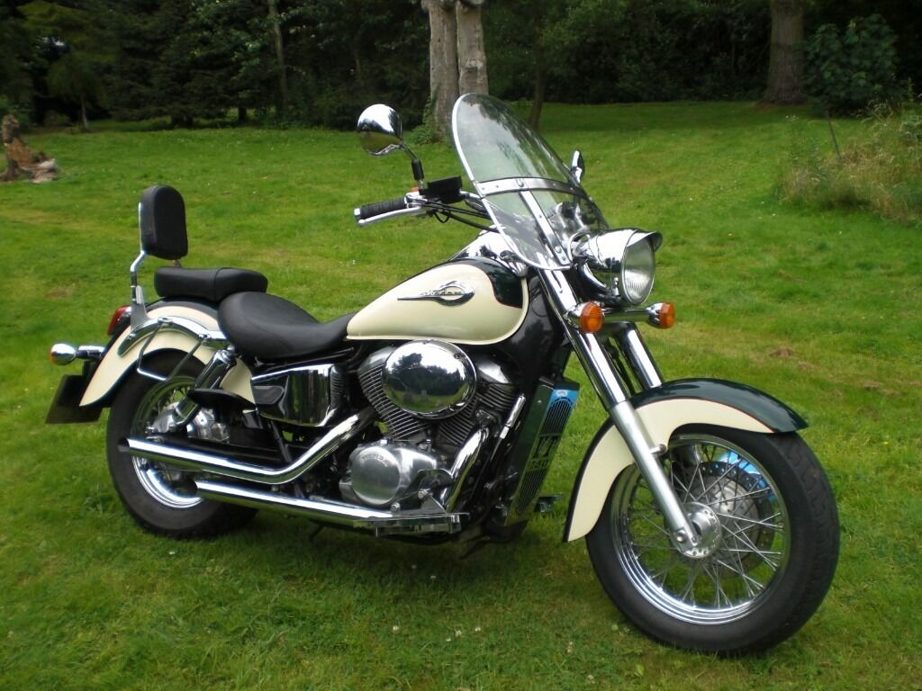 honda vt 750 shadow 2 tone cream and green paint lots of chrome stunning custom cruiser in. Black Bedroom Furniture Sets. Home Design Ideas