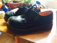 Vintage authentic Dr Martens/Doc Martens bottle green steel capped shoes 8