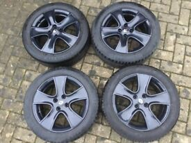 Genuine 2015 Renault Clio Mk4 16 Inch Alloys and Tyres.