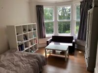 SB lets are delighted to offer this wonderful studio flat in Hove. Students & professional welcome.