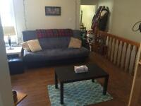 $1700 Annex west / 2br+living room+Sunny Deck / On Subway line