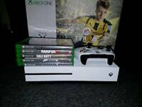 XBOX ONE S + BUNDLE OF GAMES