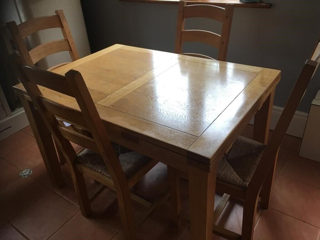 Super Kitchen Table And Chairs In Bicester Oxfordshire Gumtree Complete Home Design Collection Lindsey Bellcom