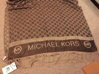 New mk scarf