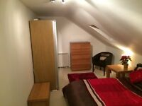 Double room available in 4 Bed shared Luxury Penthouse Duplex Apartment Moseley Village