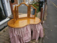 ducal pine dressing table with tripple dressing mirror in yeovil