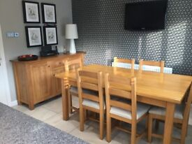 Dining Table & 6 chairs + sideboard