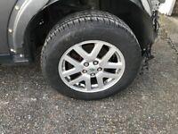 255 60 18 Land arover Alloy wheels