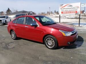 2011 Ford Focus SE! HEATED SEATS! CERTIFIED!