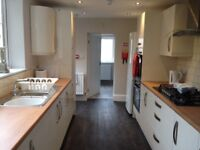 Double bedrooms to rent in beautifully refurbished 5 bed terrace, Kingsway, Goole