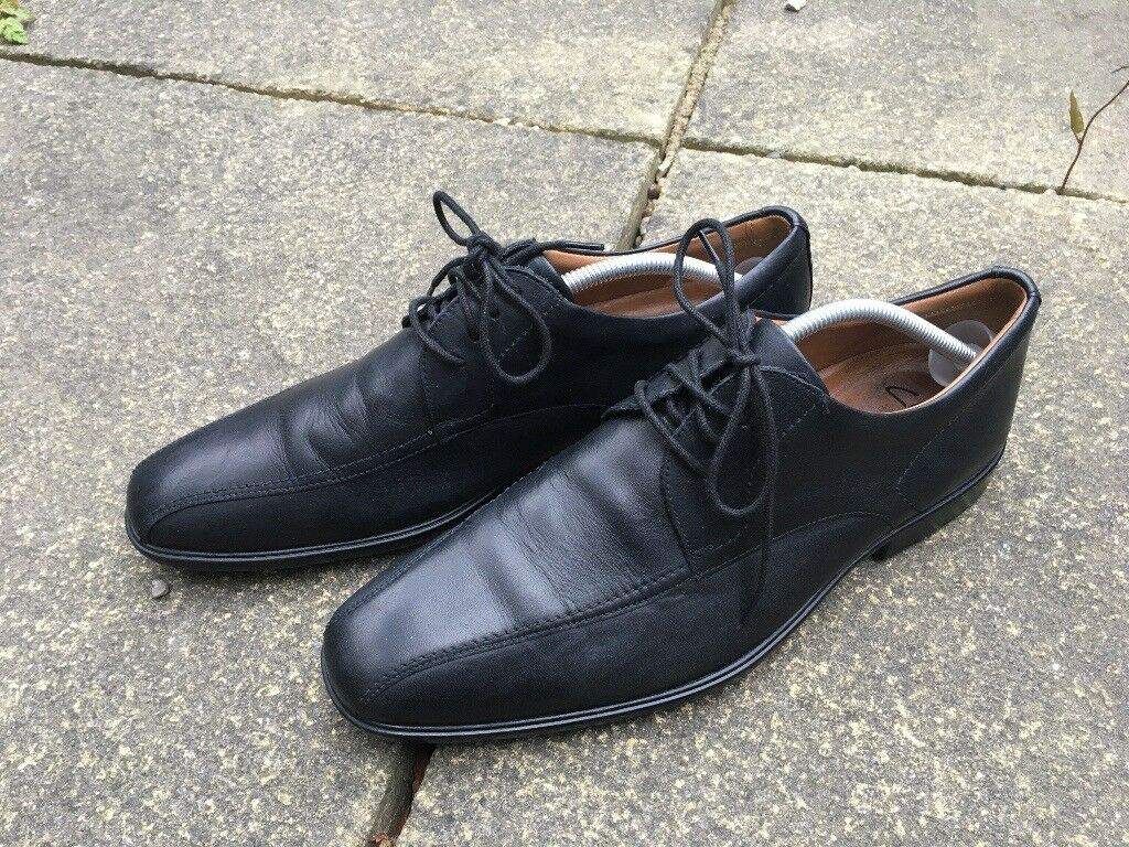 Hardly Worn Mens Mans Black Formal UK size 9 Clarks Shoes - Cushion Plus -  Excellent