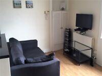 2 bed top floor furnished flat, 27 Maryfield, Abbeyhill, Edinburgh