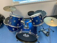 Beginners 5 piece drum kit with cymbals and stool