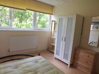 Lovely Double Room in Limehouse - Available September 1st